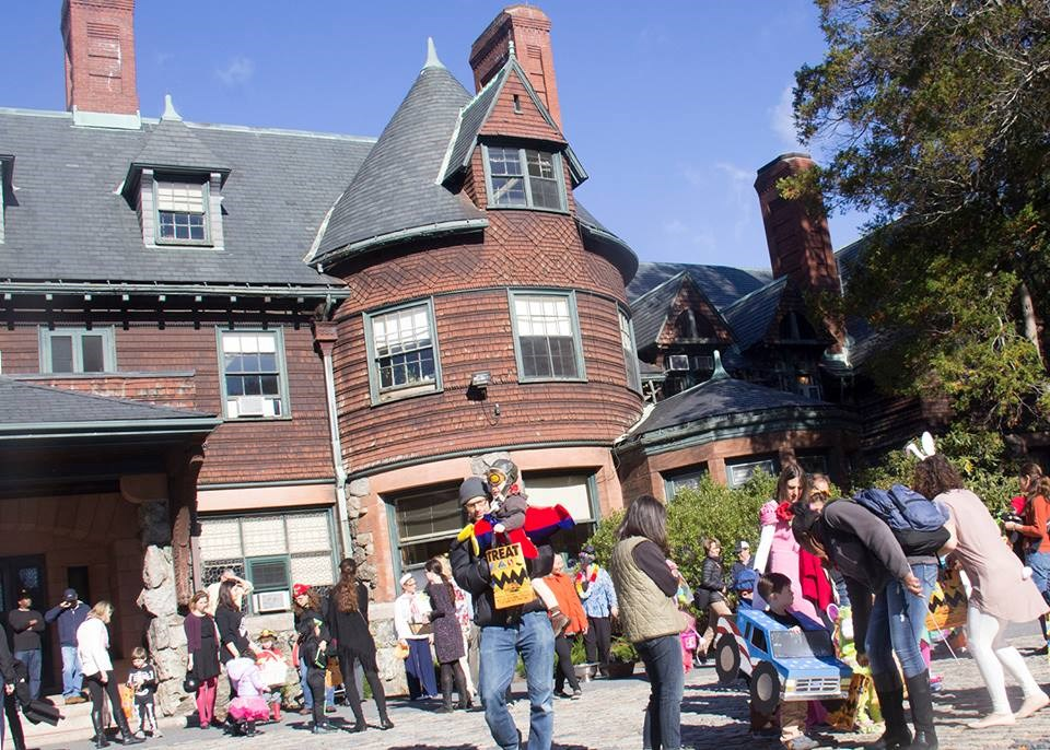 Pine Manor College-Photos-5
