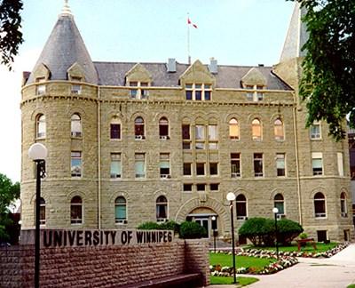 جامعة وينيبيغ