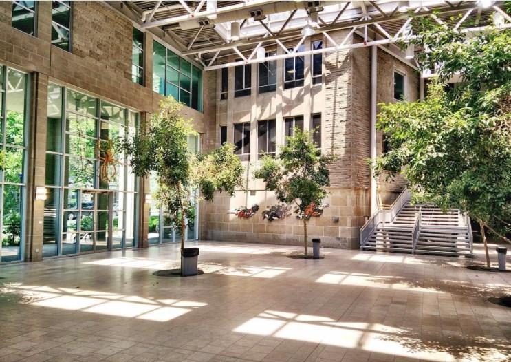 Queen's University-Photos-1