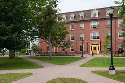 جامعة جزيرة الأمير إدوارد